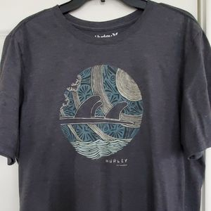 Hurley t shirt size L